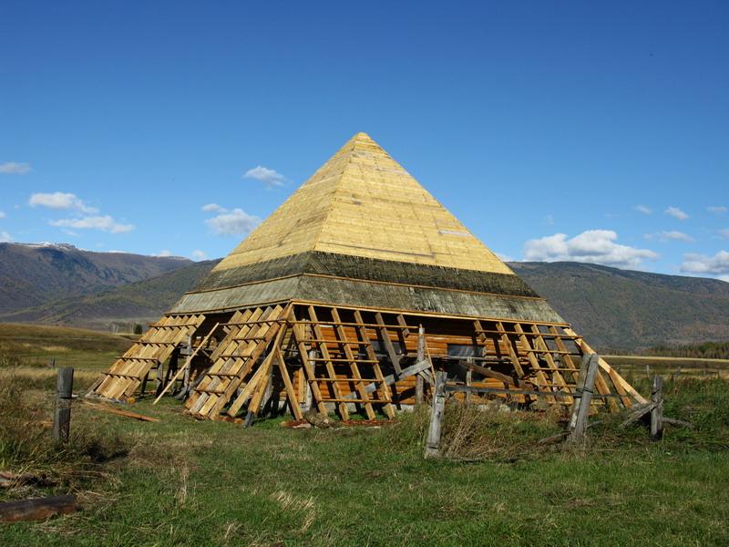 Строительство пирамиды в селе нижний